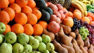 23-02-2017 16:51 Pięć porcji owoców i warzyw nie wystarczy. Trzeba po nie sięgnąć 10 razy dziennie