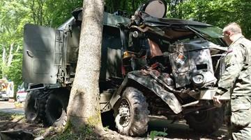 Wypadek wojskowej sanitarki. Ranni czterej żołnierze