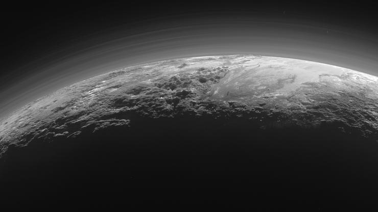 NASA podejrzewa, że na Plutonie są aktywne wulkany. Wyrzucają z siebie lód
