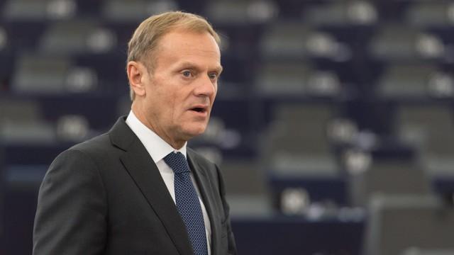 Kaczyński nie będzie zadowolony. Węgry poprą reelekcję Tuska na szefa Rady Europejskiej