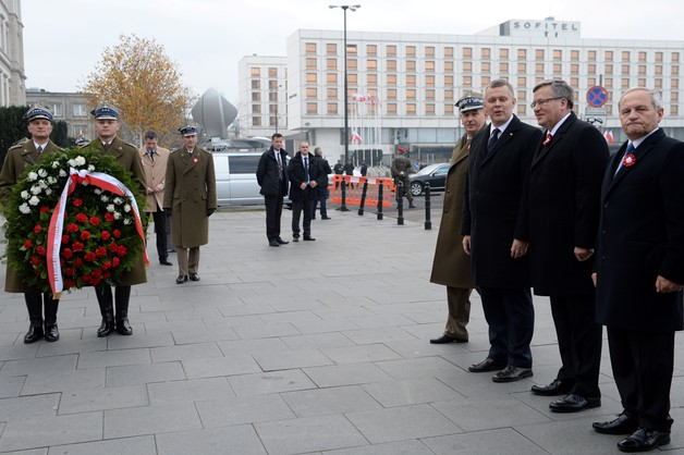 Prezydent złożył wieniec przed pomnikiem marszałka Piłsudskiego