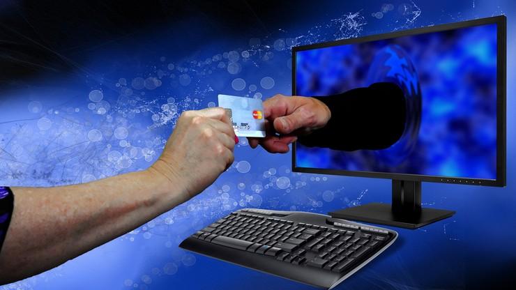 Dziś w USA Cyber Monday, jutro w Polsce Dzień Darmowej Dostawy