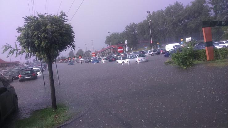 Gwałtowna burza zaskoczyła kierowców w Czeladzi