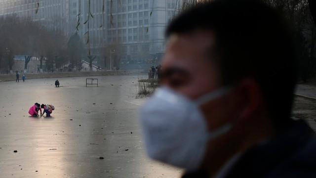 Chiny: Smogowy alert na północy, pozamykane fabryki i szkoł