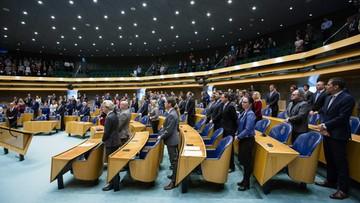 24-03-2016 16:09 W belgijskim parlamencie oddano hołd ofiarom zamachów