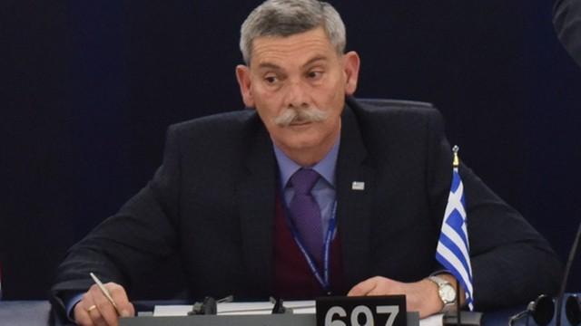 Głupi, brudni barbarzyńcy. Grecki eurodeputowany wyrzucony z sali obrad za obrażanie Turków