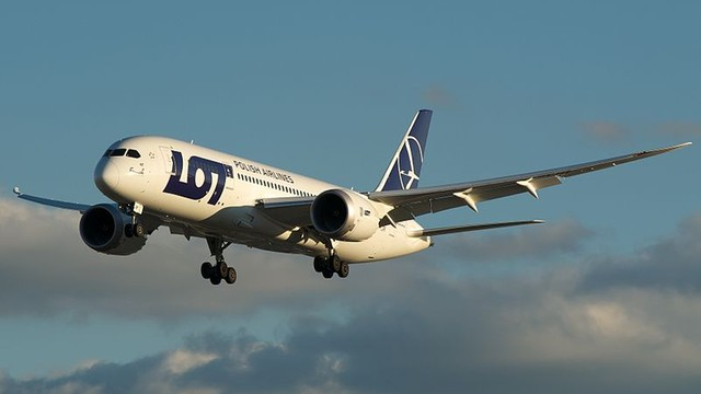 ULC przypomina lecącym na wakacje samolotem o prawach pasażerów