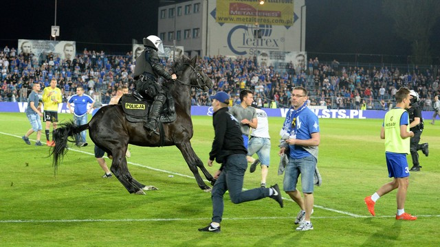 Sześciu zatrzymanych po burdach na stadionie Ruchu Chorzów