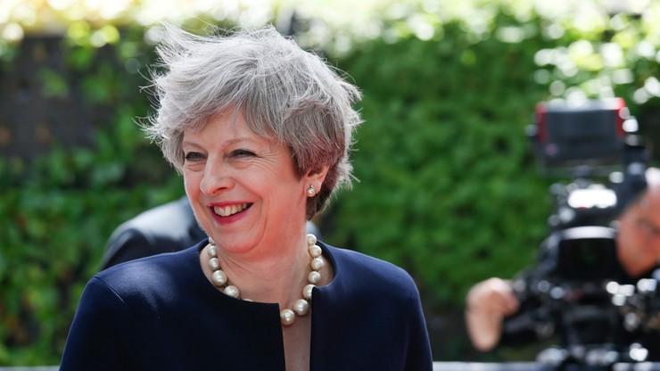 May zapewnia, że obywatele UE nie będą musieli opuszczać Wysp