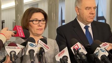 """25-01-2017 15:45 """"Nie pracujemy nad tym, póki co"""". Mazurek o zmianie Regulaminu Sejmu"""