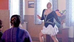 Taneczny występ Kazanowej przyciąga tłumy ciekawskich