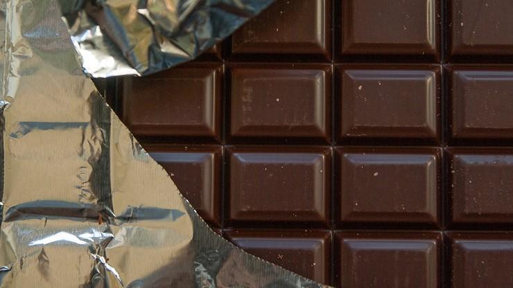 """""""Jak zabić się czekoladą?"""". Poradnik słodki choć zagrażający życiu"""