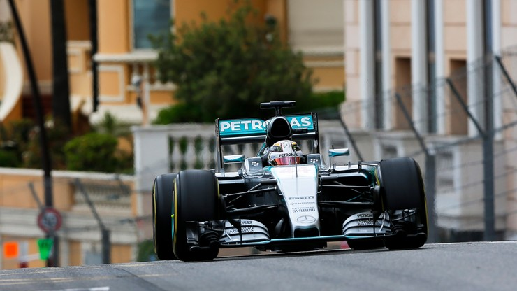 Hamilton najlepszy na obu czwartkowych treningach