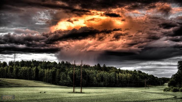 Ostrzeżenie: burze nad południową Polską