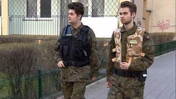 04-04-2016 13:52 Fryzjer i fotograf patrolują ulice. Warszawska Straż Obywatelska zwiera szeregi