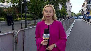 Barierki przed Sejmem. Opozycja liczy na zawetowanie ustaw o sądownictwie