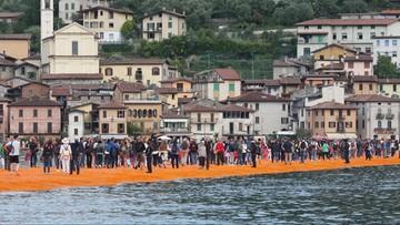 18-06-2016 14:51 Tłumy czekały całą noc. Można już spacerować po jeziorze Iseo