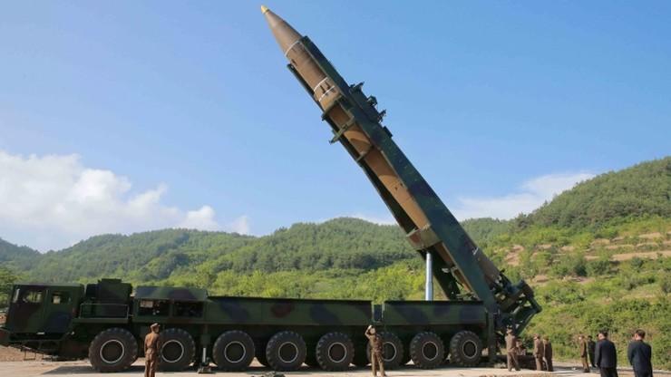 """Dowódcy USA i Korei Płd. o """"możliwościach reakcji militarnej"""" po kolejnej próbie rakietowej Korei Płn."""