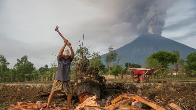 Wulkan na Bali grozi wybuchem. Trwa ewakuacja ludności