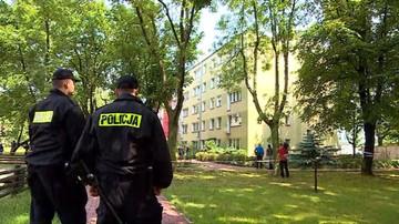 28-06-2017 13:27 Niekontrolowany wybuch w bloku w Warszawie. Saperzy sprawdzali podejrzany pakunek