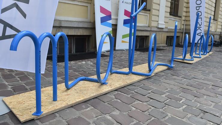 Nietypowy stojak na rowery w Krakowie