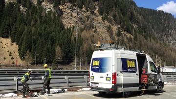 """12-04-2016 13:31 """"Policzek dla Włoch"""" i """"zniewaga dla Europy"""". Austria buduje barierę na granicy w Alpach"""