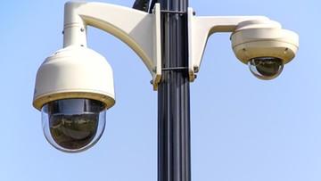 """12-08-2016 12:46 Obrazy z kamer monitoringu z całego świata na rosyjskiej stronie internetowej.""""To piractwo"""""""