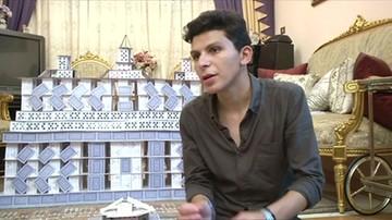 Student z Egiptu buduje kopie najbardziej znanych obiektów z ...kart do gry
