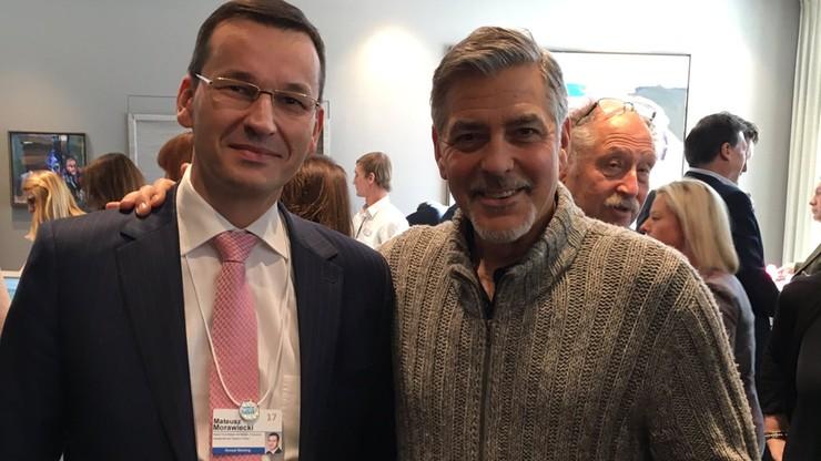 """""""Good night and good luck!"""" Morawiecki spotkał się z Clooneyem w Davos"""