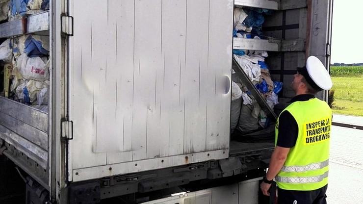 Nielegalny transport śmieci z Anglii do Polski. ITD zatrzymała ciężarówkę