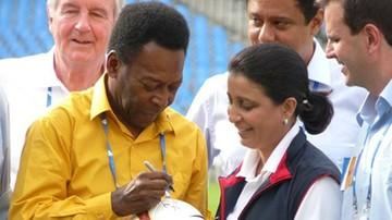 """24-07-2016 06:09 """"Naprzód Brazylio!"""". Pele pobiegł w sztafecie z ogniem olimpijskim"""