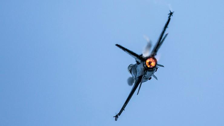 Agencja Dogan: Tureckie F-16 w pościgu za domniemanymi puczystami