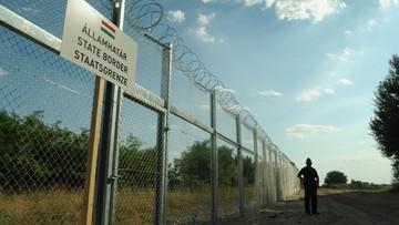 23-02-2017 22:38 Węgrzy zbudują drugi płot na granicy z Serbią