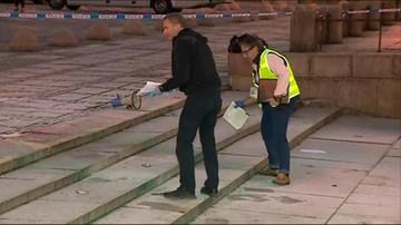 Stołeczna policja prowadzi dochodzenie w sprawie próby samospalenia się mężczyzny na warszawskim Placu Defilad