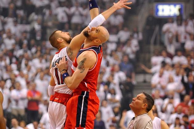 Liga NBA – wygrana Wizards w Toronto, osiem punktów Gortata