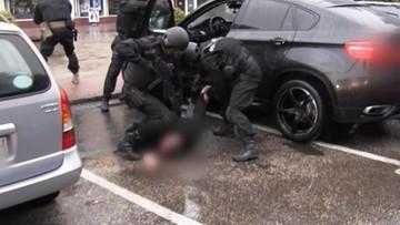 CBŚP zlikwidowało gang złodziei samochodów. Kradli w Polsce i Niemczech