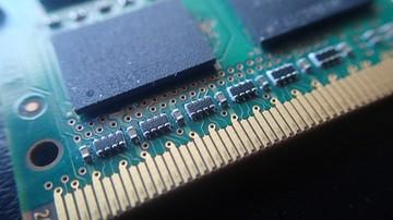 22-05-2017 10:28 Informatyk okradł bazę danych wartą 110 mln zł. Zabezpieczono m.in. 13 kart pamięci i 451 nośników optycznych