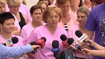 """30-05-2016 16:37 """"Dlaczego brakuje pielęgniarek, jeśli tak świetnie zarabiają"""". Strajk w Centrum Zdrowia Dziecka"""