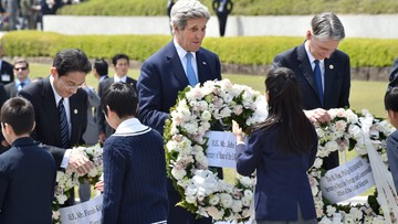 11-04-2016 08:57 Kerry zwiedził z innymi szefami dyplomacji G7 Muzeum Pokoju w Hiroszimie