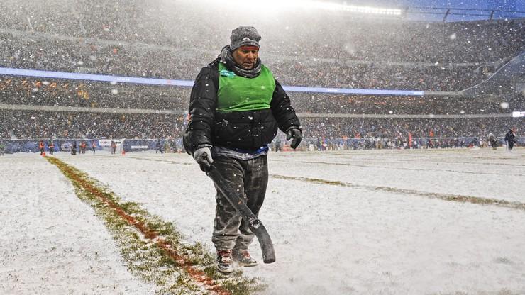 2017-12-12 Śnieżyca na meczu NFL. Zdjęcie kibiców robi furorę w Internecie!