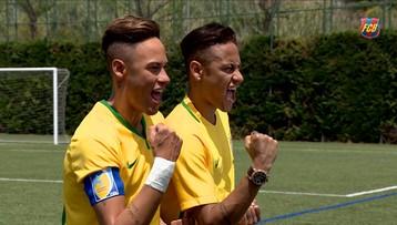 30-05-2016 08:34 Są identyczni. Zobacz jak Neymar zareagował na swojego woskowego sobowtóra