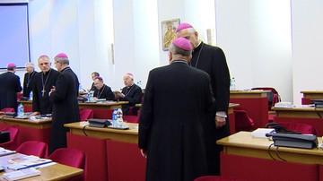 """03-04-2016 06:43 Dziś w kościołach stanowisko biskupów: """"ws. ochrony życia nie można poprzestać na obecnym kompromisie"""""""