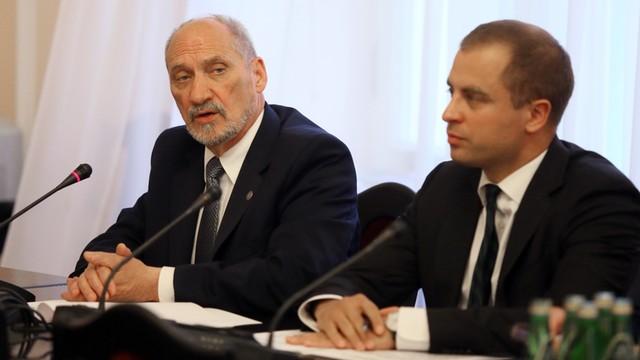 Szef MON: w styczniu pierwsze jednostki NATO w Polsce