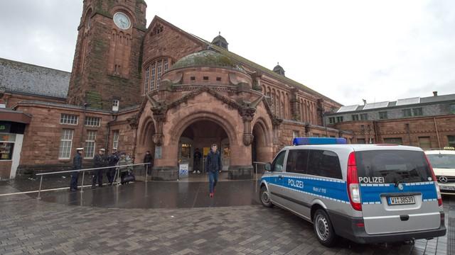 Belgia: 13 operacji policyjnych w trzech miastach, zatrzymano dziewięć osób