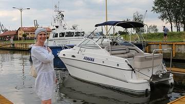 29-05-2017 16:45 Siedząc na plaży zauważyła na wodzie jacht. Ten sam, który został skradziony 8 lat temu