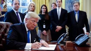 [MAX KOLONKO] Trump niszczy dziedzictwo Obamy. Podpisał trzy ważne dekrety