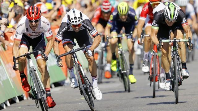Tour de France - Matthews wygrał etap, Froome liderem