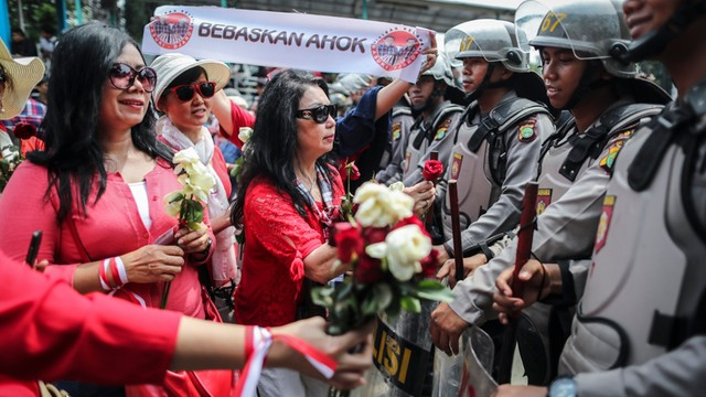 Indonezja - odchodzący gubernator Dżakarty skazany za bluźnierstwo
