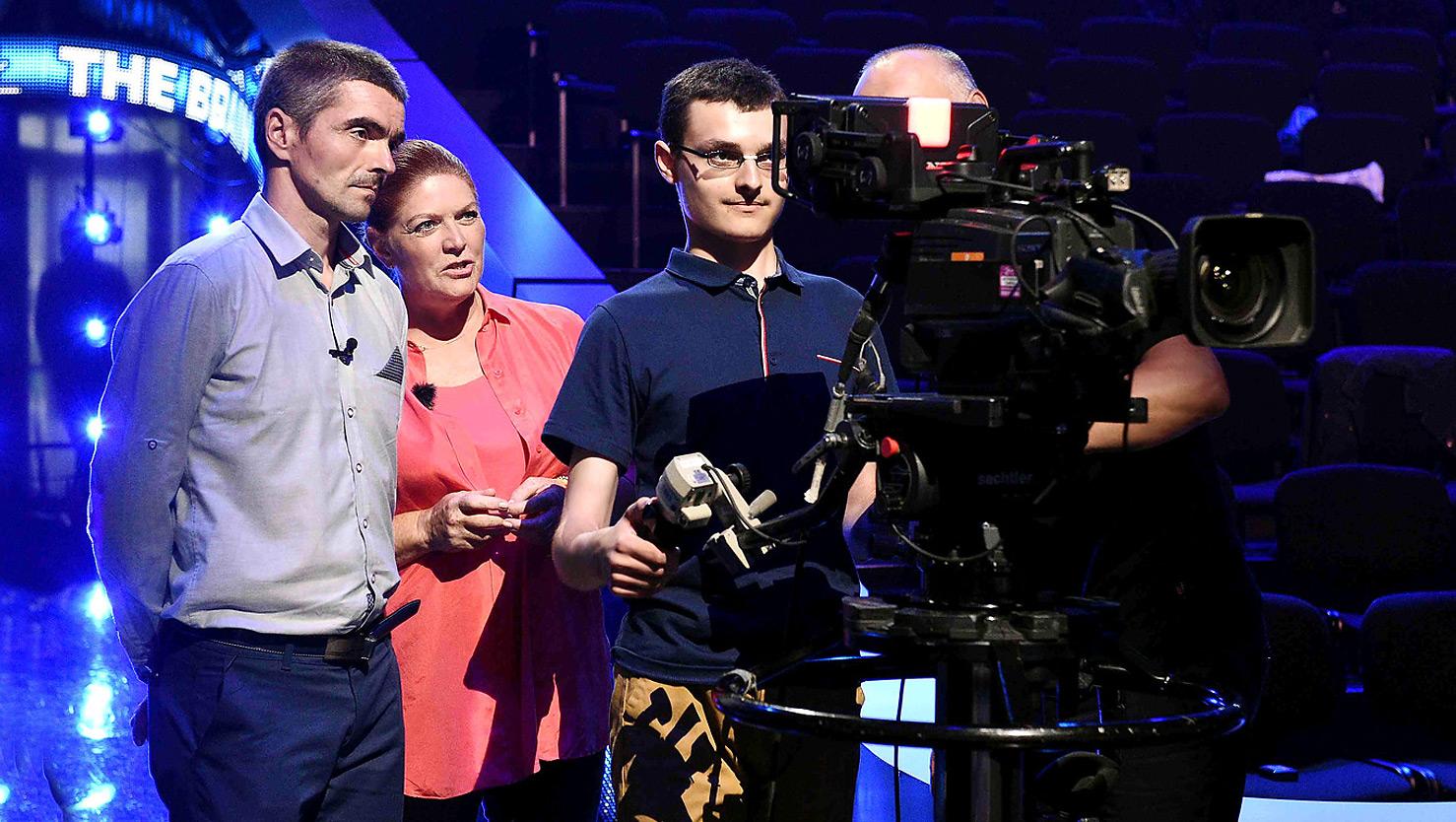 """Bohaterowie """"Naszego nowego domu"""" na planie """"The Brain"""" - Polsat.pl"""