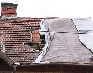 Nawałnica zniszczyła dach. Ubezpieczyciel wypłacił… 1648 zł